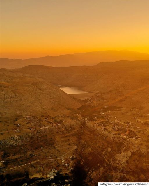 Everybody loves the golden hour when the sun sets🌅, but have you heard... (Faraya, Mont-Liban, Lebanon)